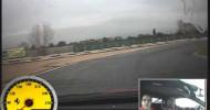 Agustín Gomez Silingo manejando un Ferrari en pista