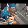 Lamperti colocando un cubre grip en el Master 2012